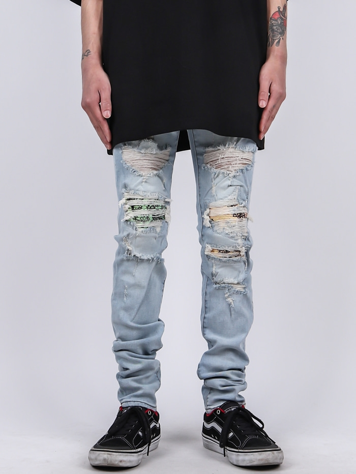 TO Patch Damage Soft Jeans