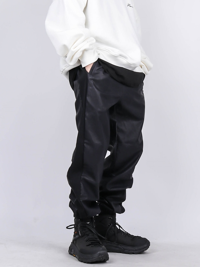 MG LEATHER LINE JOGGER PANTS