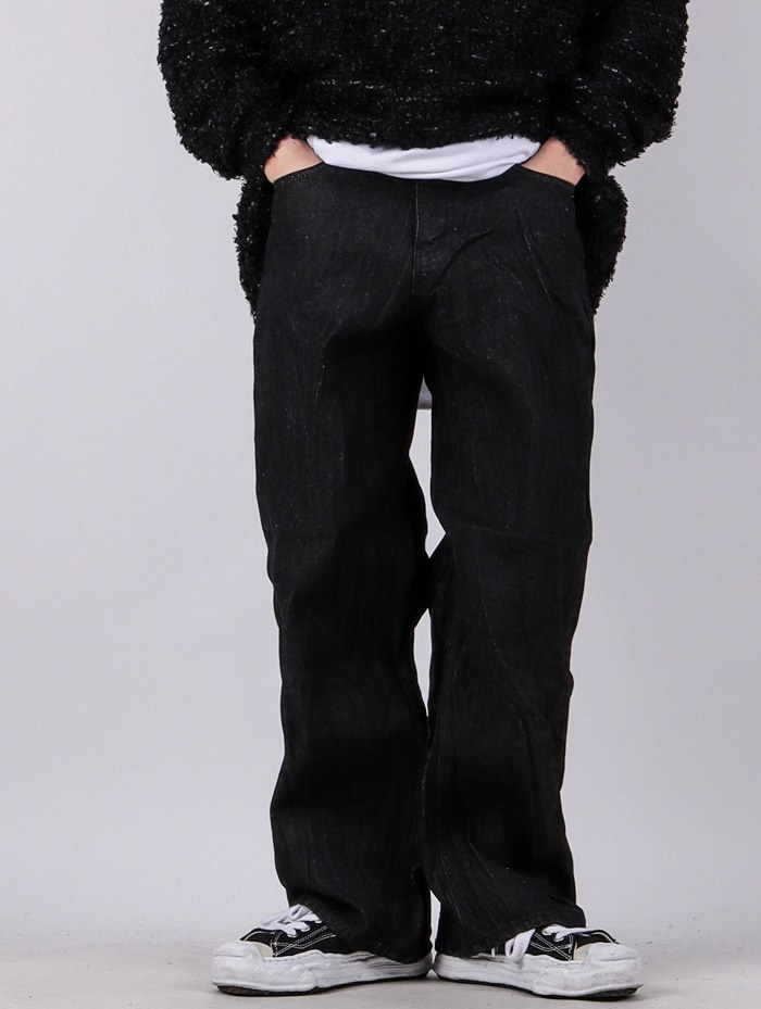 MU Pleated Black Denim Pants