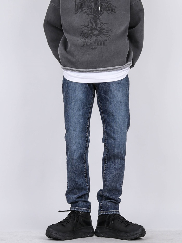 DR 73 Slim Basic Jeans